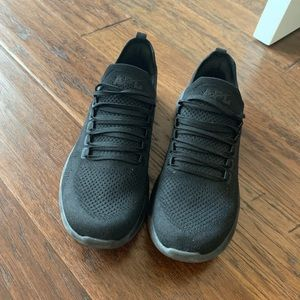APL black tennis shoes, comes with box
